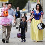 jon-stewart-family-are-halloween-happy-family-553862886